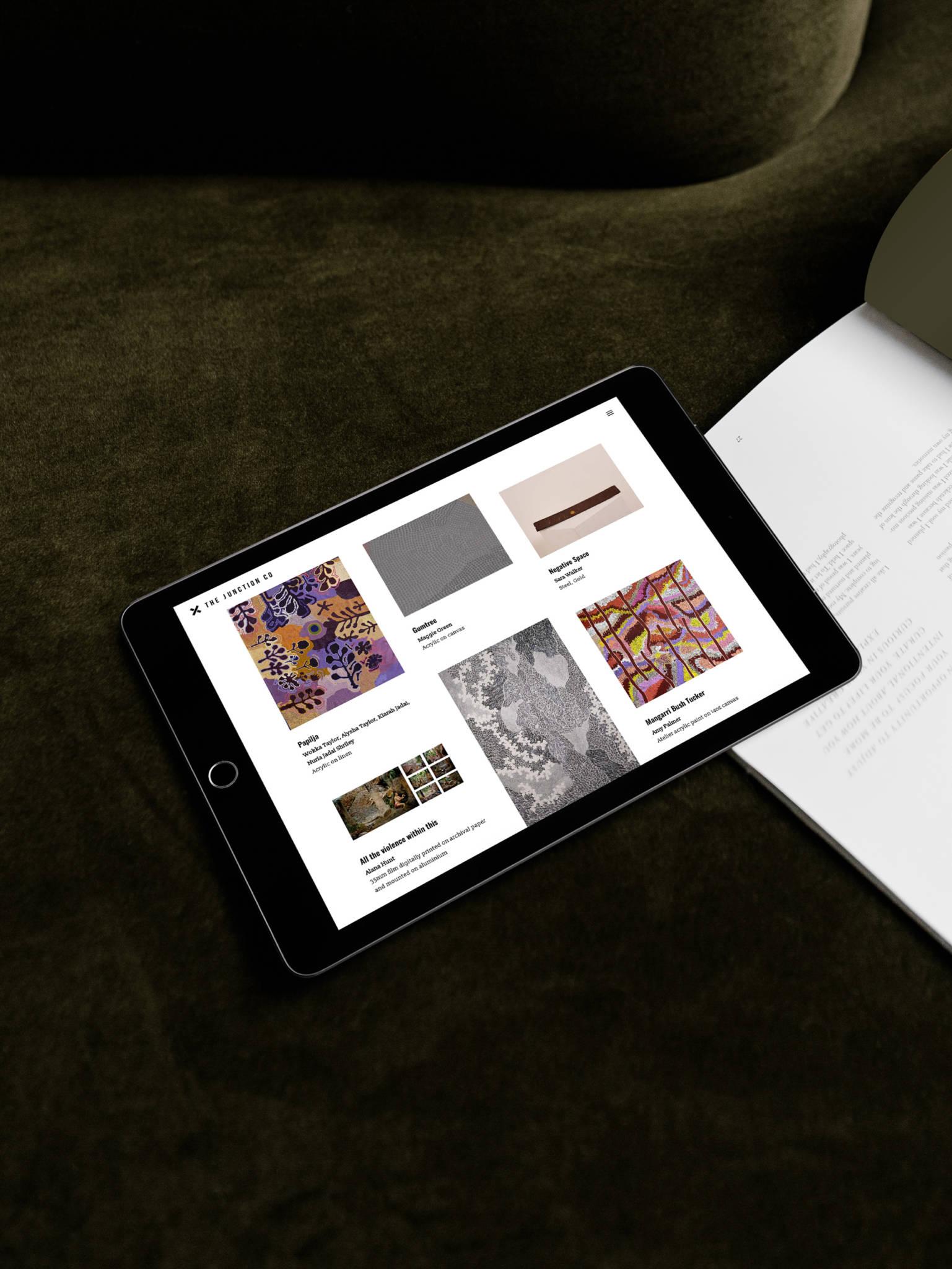 virtual gallery tablet
